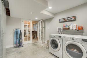 13_Laundry_Room_IMG00985
