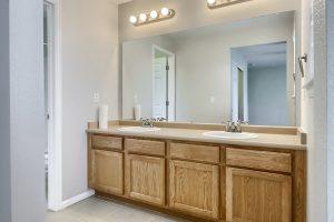 05_Main_Bathroom_IMG_2857