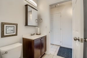 07_Bathroom_IMG_5481