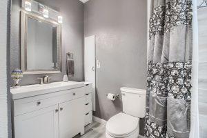 07_Bathroom_IMG_5716
