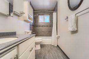 05_Main_Bathroom__IMG4445