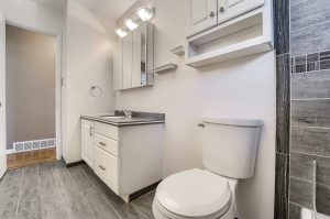 05_Main_Bathroom__IMG4460