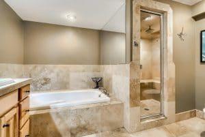 07_Bathroom_IMG_4828