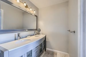 05_Main_Bathroom_IMG_5924