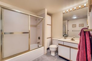 07_Bathroom_IMG_5674