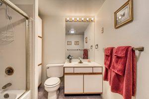 07_Bathroom_IMG_5679