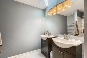 07_Bathroom_IMG_5954
