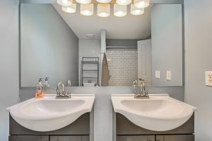 07_Bathroom_IMG_5959