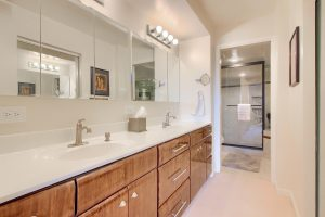 07_Bathroom_IMG_8563