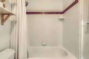 05_Master_Bathroom_IMG_0039