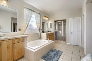 05_Master_Bathroom__MG_9682