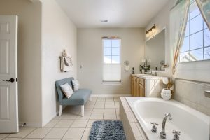 05_Master_Bathroom__MG_9702
