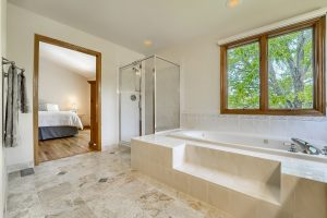 05_Master_Bathroom__DSC3450